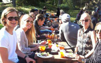 Lunch-på-konferens-i-stockholms-skärgård